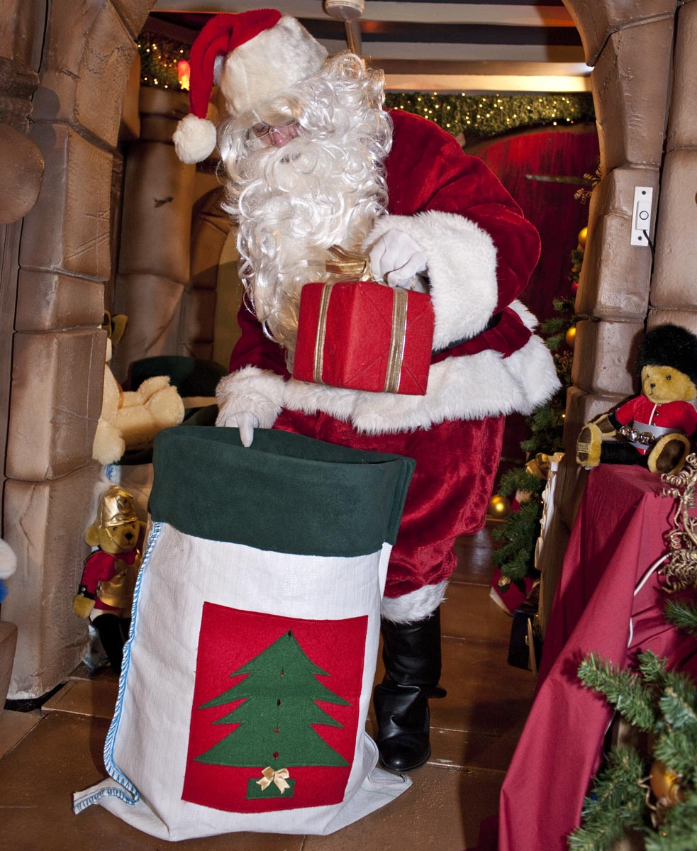 Christmas Grotto Management 54